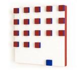 Grupo Frente | Relevo em vermelho e azul 1955 - 1956 Têmpera sobre madeira 40cm x 40cm x 3.5cm