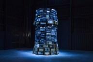 Babel, 2001 Vista da Instalação na Fundação HangarBicocca, 2014 Foto Agostino Osio Cortesia Fondazione HangarBicocca, Milão; Cildo Meireles; Museu de Arte Contemporânea Kiasma, Helsinki, Finlandia, Cildo Meireles