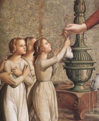 Young women in shifts 1485