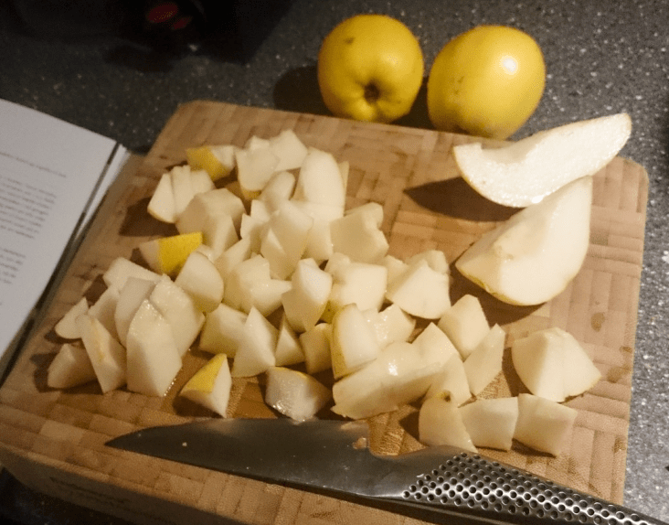 Chopped pears for the pie