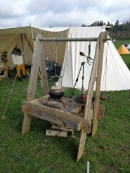 Our camp kitchen - it's not really authentic, but as we can't dig a firepit at most marked - this is our solution.