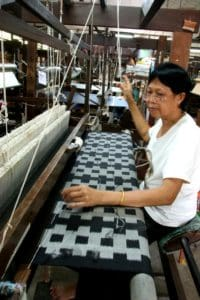 Two meters per day - A weaver for Jim Thompson