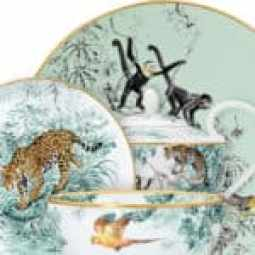 Casual chic - Carnet d'Equateurs designed by the animal illustrator and painter Robert Dallet.