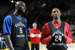 Discussing greatness with Kobe Bryant at an All-Star Game. Garnett would be voted to the ASG a whopping 15 times throughout his career.