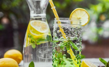 5 best DIY detox drinks recipes for weight loss and body cleanse. Best soda replacing drinks for summer.