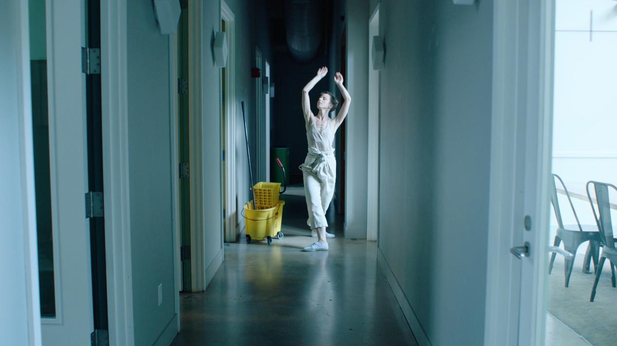 Cleaner traces the creative awakening of a maintenance worker. Her movements are framed within the routines of manual labor yet set against the work environment of the tech economy.