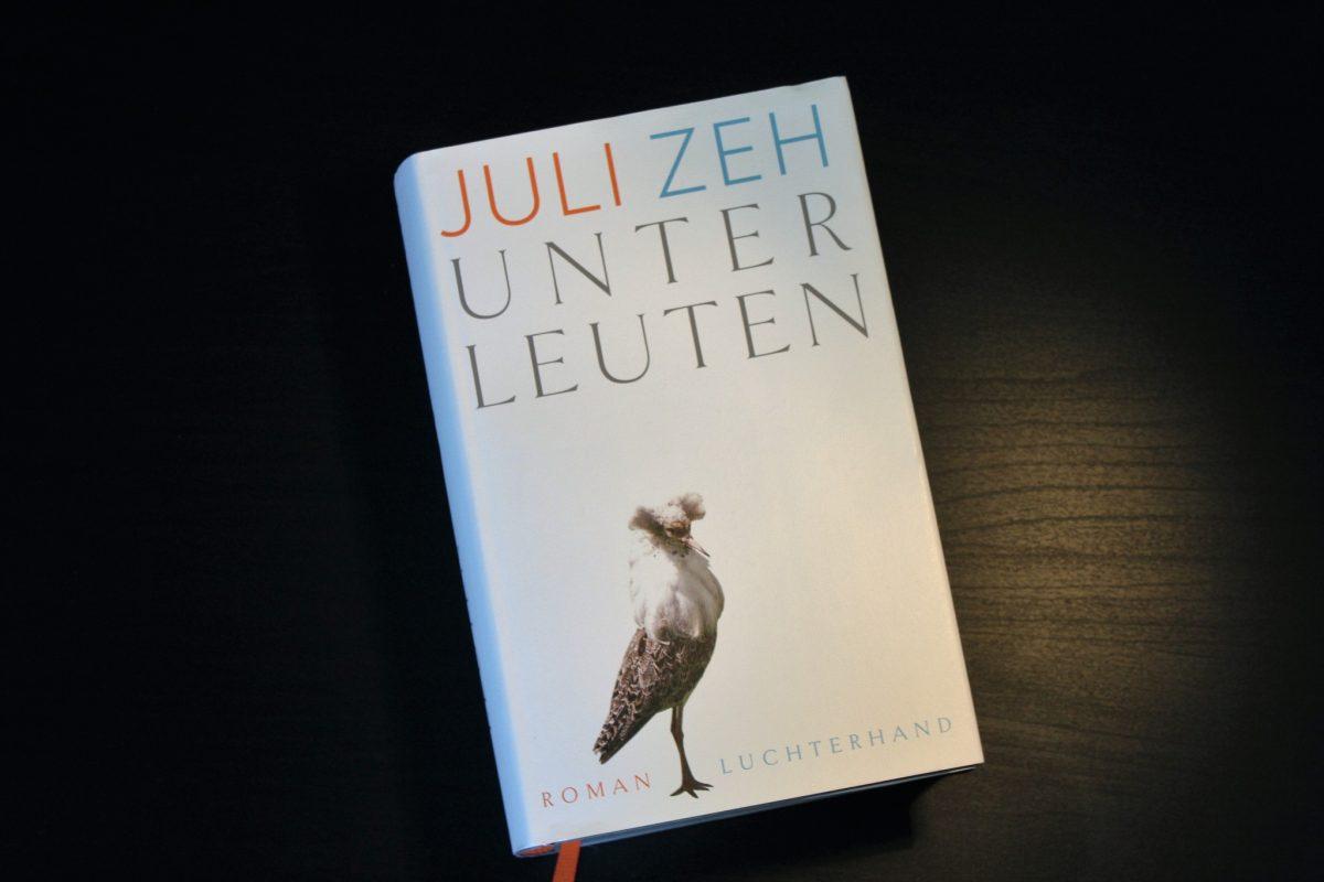"Juli Zeh: ""Unterleuten"" - Dorfroman im Kommunikationszeitalter"