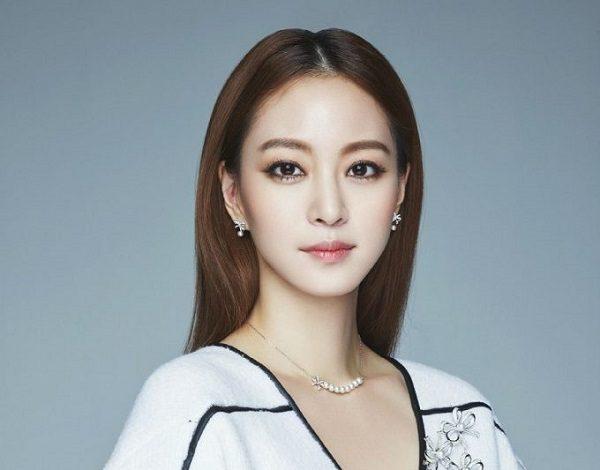 Han-Ye-Seul-Most-Beautiful-Korean-Actresses-2016-e1462788335627