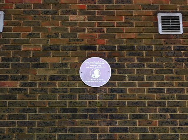 Conan-Doyle-plaque1