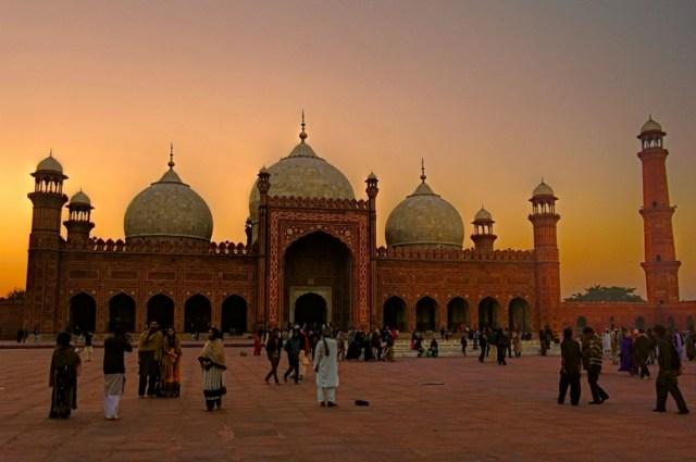 Badshahi Mosque Lahore by Kamran Aslam
