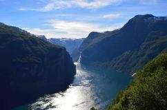 Il Geirangerfjord da Ornesvingen, guardando verso Hellesylt
