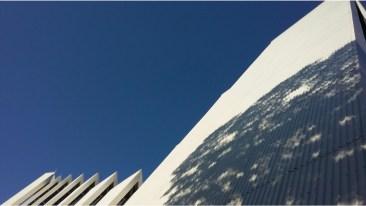 day8: Come crepacci di ghiacciai nel blu senza nuvole del Nord... Cattedrale artica, Tromso