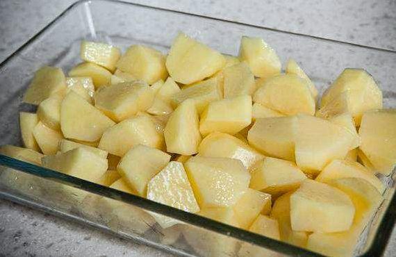 Жаркое в горшочках со свининой и картошкой в духовке ...