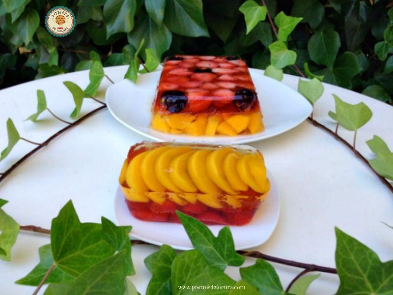 Gelatina con frutas fresas y melocoton