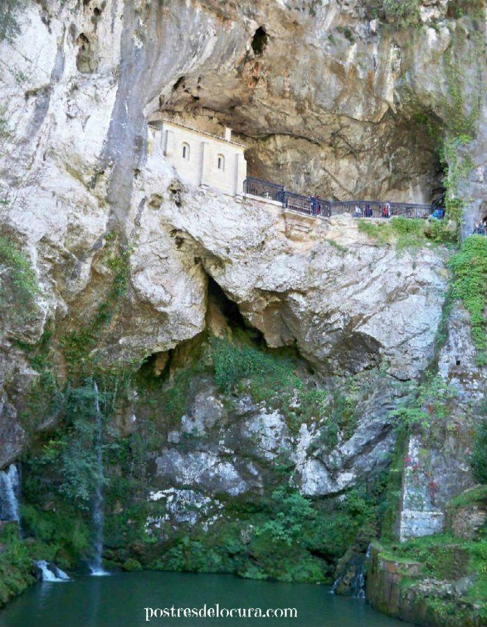 Santa Cueva de Covadonga