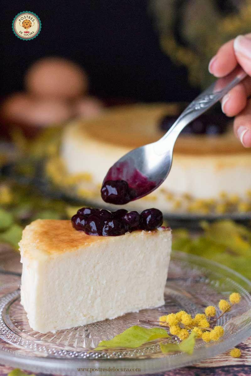 tarta-de-queso-al-horno-con-salsa-de-arandanos