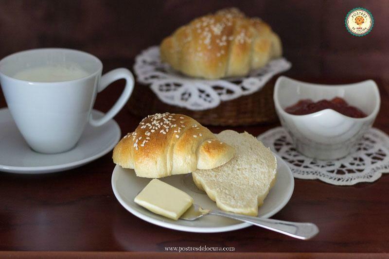 Desayuno con pan de leche casero