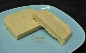 Turrón de Chocolate Blanco, Coco Tostado y Curry - Estrades Cakes