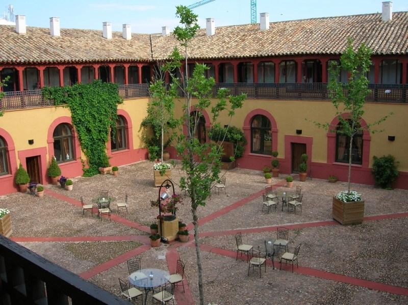 Tortas de Alcázar - Claustro del Convento