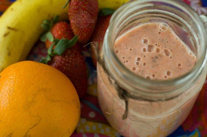 Batido Antioxidante con Fresas, Plátano y Naranja