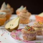Cupcakes de Pera con Frosting de Queso