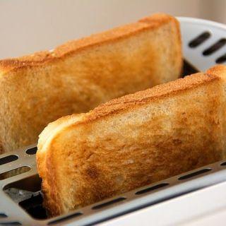 ¿Qué es la acrilamida y cómo está presente en los alimentos?