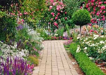 ce1637ddcab Ефективно изглежда цветякоито са разположени не само по краищата на пътя,  но и по него. За да се реализира такава идея, е необходимо да се направи  пътеката ...