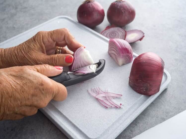 Vegetable Peeler for Onions