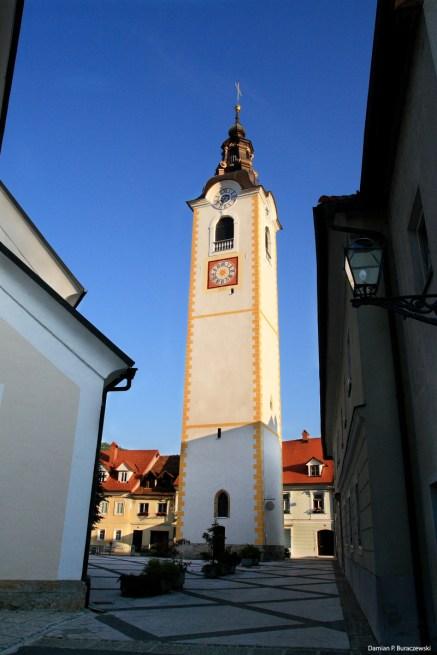 Sutna Parish Church bell tower / Dzwonnica kościoła parafialnego na ulicy Sutna