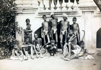 People starving from food during Bengal famine