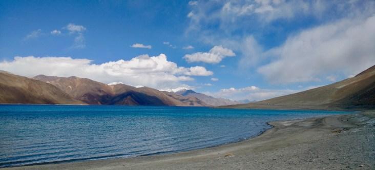 travel from leh to pangong lake