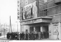 Babylon cinema, Berlin, 1948. Bundesarchiv, Bild 183-1984-0517-511 / Heilig, Walter / CC-BY-SA 3.0