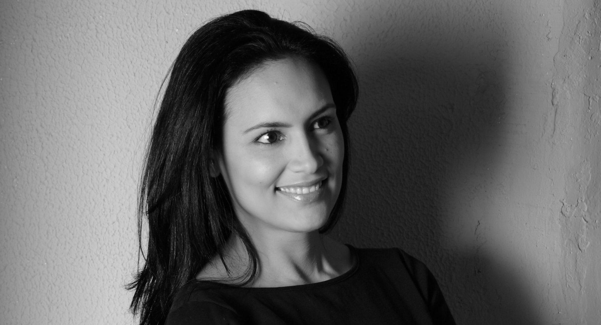 Laura Carvajal cropped-MG_6036-Copyrigt-Enzo-DAmbrosio-2011 10 mentiras del éxito Liderazgo Motivar y Empoderar  éxito desarrollo crecimiento