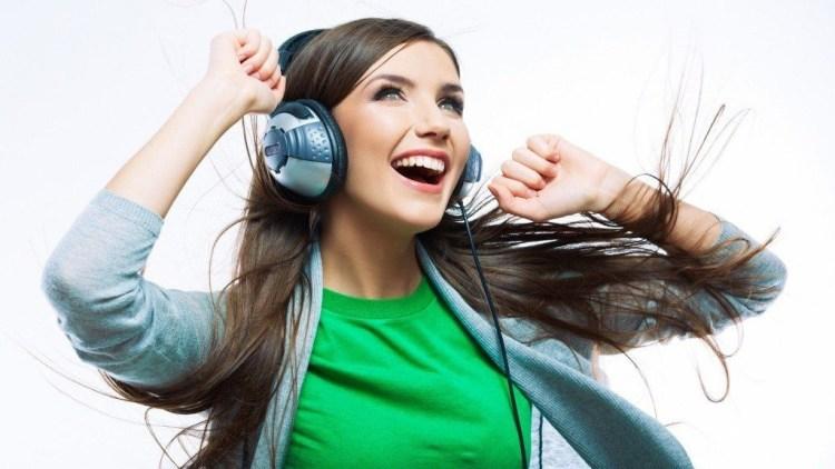 chica-escuchando-musica Audio para el liderazgo
