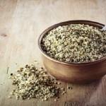 12 asombrosos y saludables beneficios de las semillas de cáñamo