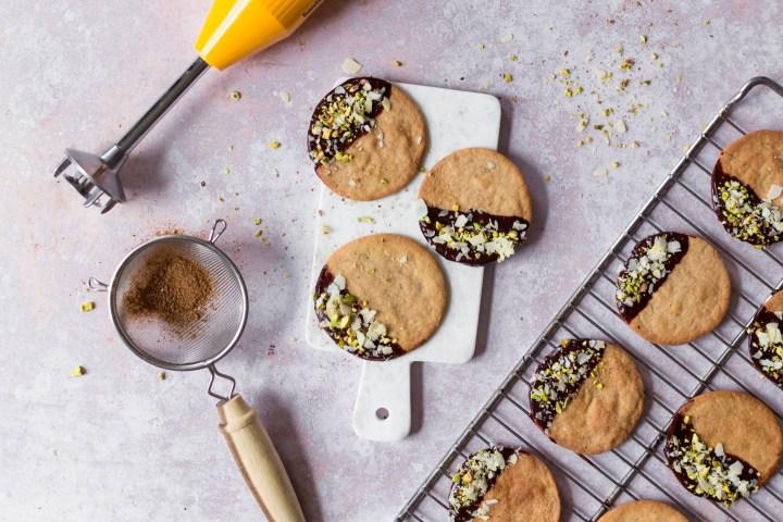 Spéculoos au chocolat, aux pistaches et aux amandes