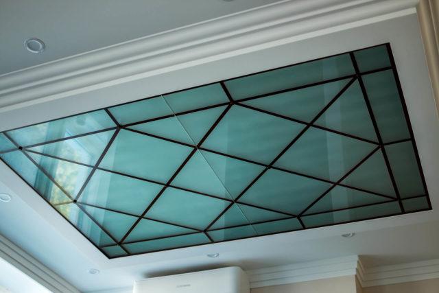 Потолок из силикатного стекла