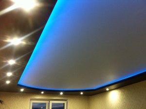 Двухуровневый потолок с посведкой