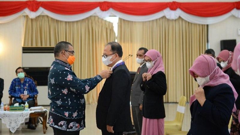 Wagubri Edy Natar Nasution Ikuti Pelantikan Pengurus IAI Wilayah Riau Periode 2021-2025