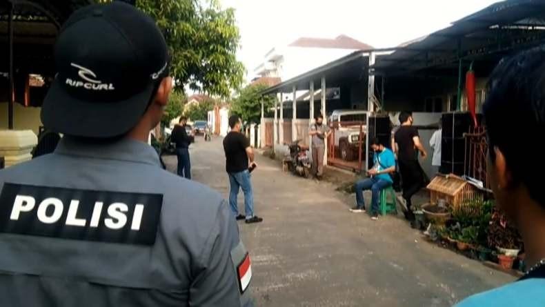 Geger di Palembang! Polantas Ditusuk Pria Tak Dikenal di Pos Polisi