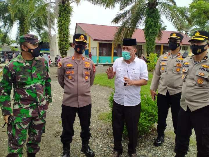 Dandim 0116 Bersama Kapolres Nagan Raya Tinjau Vaksinasi Guru dan Tenaga Pendidik