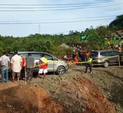 Lintas Riau-Sumbar Kembali Putus, Petugas Berlakukan Sistem Buka-Tutup