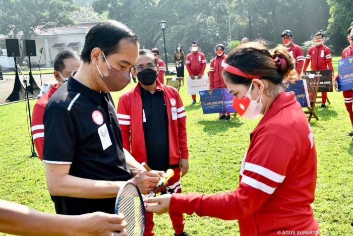 Badminton asal Kampar Riau, Leani Ratri Oktila Mendapatkan Bonus