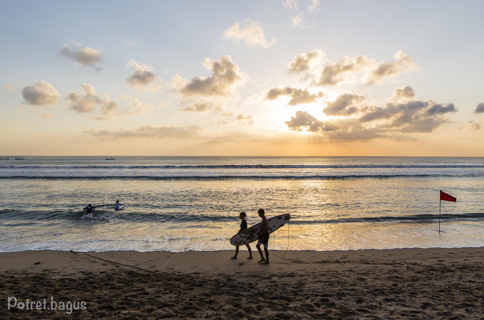 Sunset at Kuta Beach - potret bagus