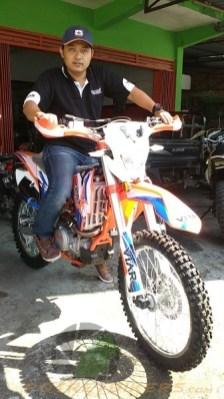 Mr. Suminto selaku Manager Area SR Motor