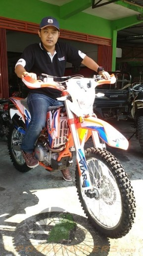 Mr. Suminto selaku Manager Area SR Motor