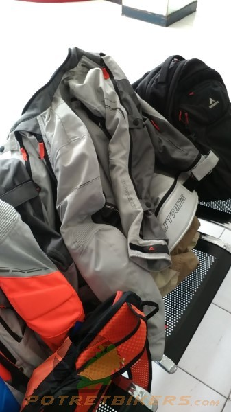 Eiger Jacket Touring Explorer (1)