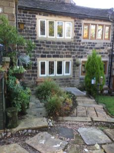Outside Pots and Pans Holiday Cottage, Uppermill, Saddleworth