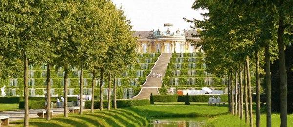 Schloss-Sanssouci2