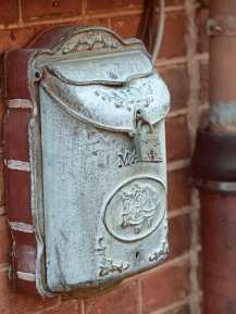 Ein Briefkasten im Holländischen Viertel von Potsdam